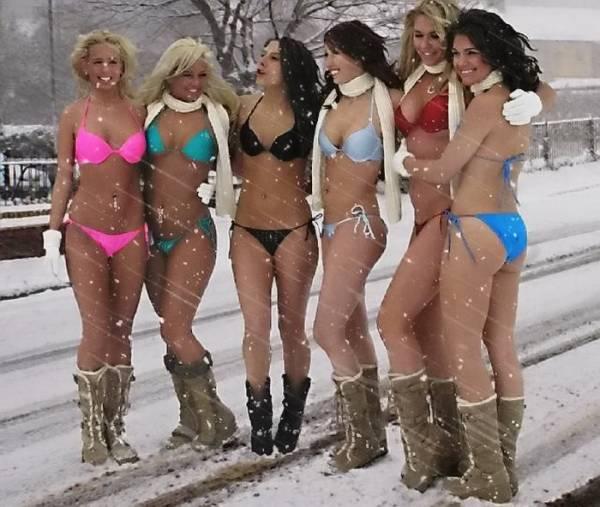 Интересное: девушки в бикини фото липецк и Модели в покрых футболках.
